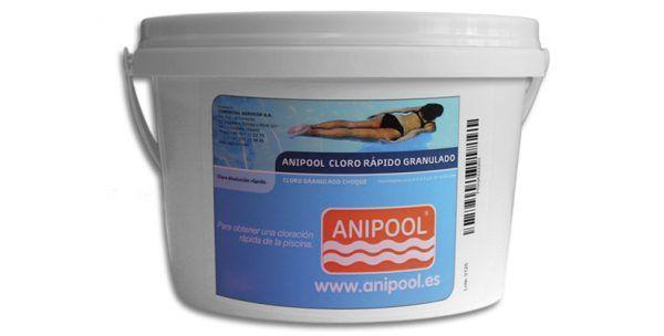 Desarrollado para la adecuada desinfección y cloración del agua de la piscina. Elimina bacterias, virus y microorganismos, a la vez que evita la formación de al