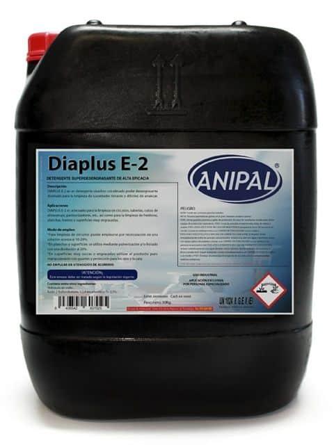 Detergente cáustico con elevado poder desengrasante diseñado para la limpieza de suciedades tenaces y difíciles de arrancar.