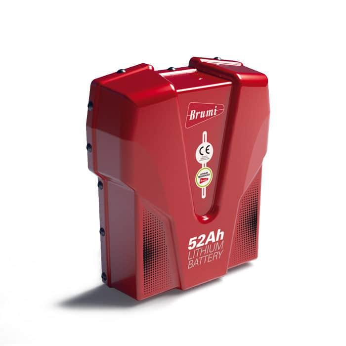 La batería de mochila 52Ah, alimenta los vareadores electrónicos optimizando al máximo los tiempos de recolección. *10 horas de autonomía.